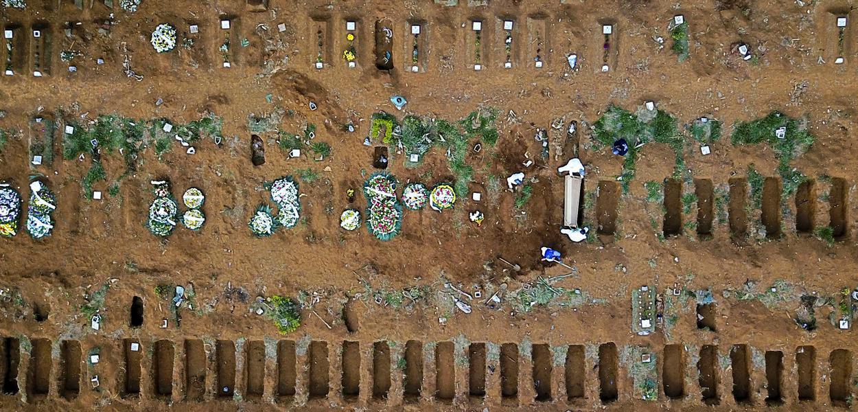 Cemitério Vila Formosa, em São Paulo 13/05/2020