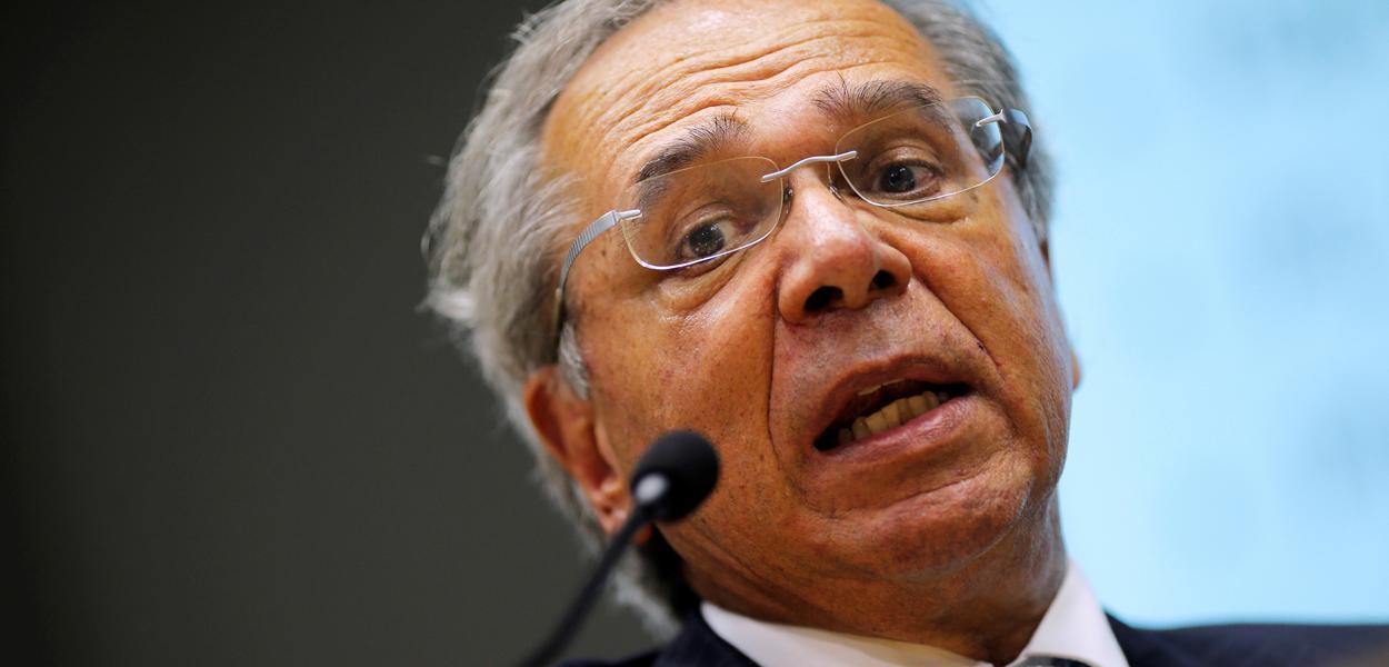 Ministro da Economia, Paulo Guedes, fala em coletiva de imprensa em Brasília 16/03/2020
