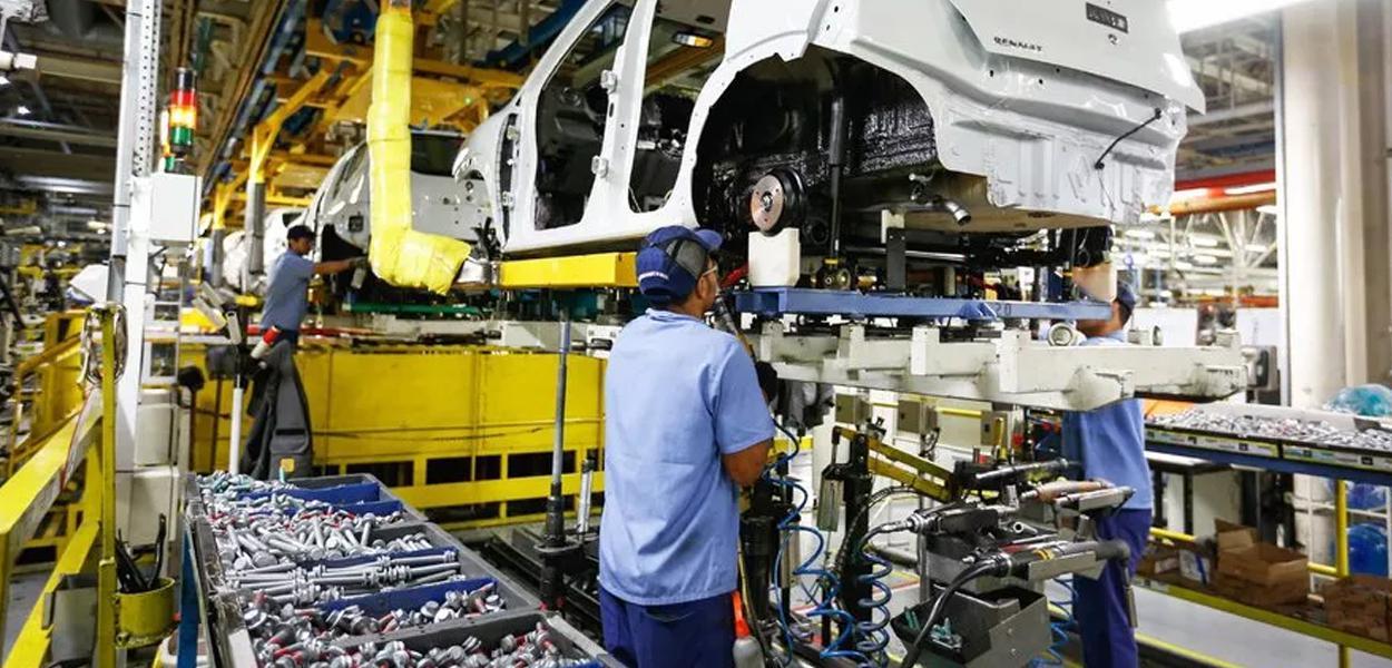 Mercado projeta queda de 4,6% do PIB e aumenta estimativa sobre a inflação