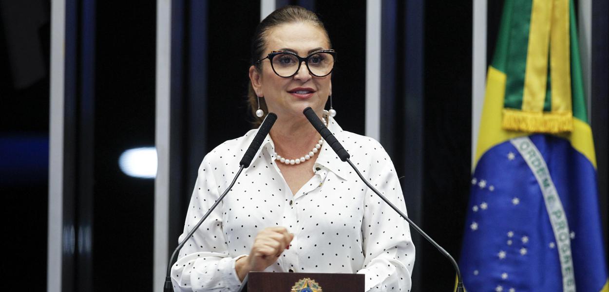 Em discurso, à tribuna, senadora Kátia Abreu (PDT-TO).