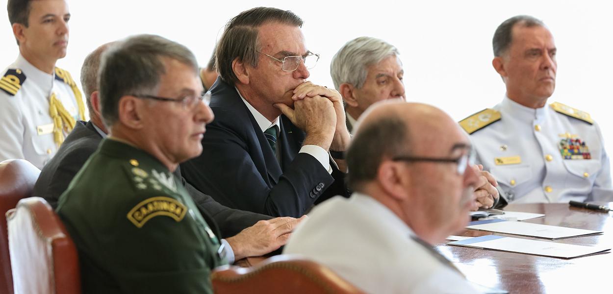 Jair Bolsonaro e Generais