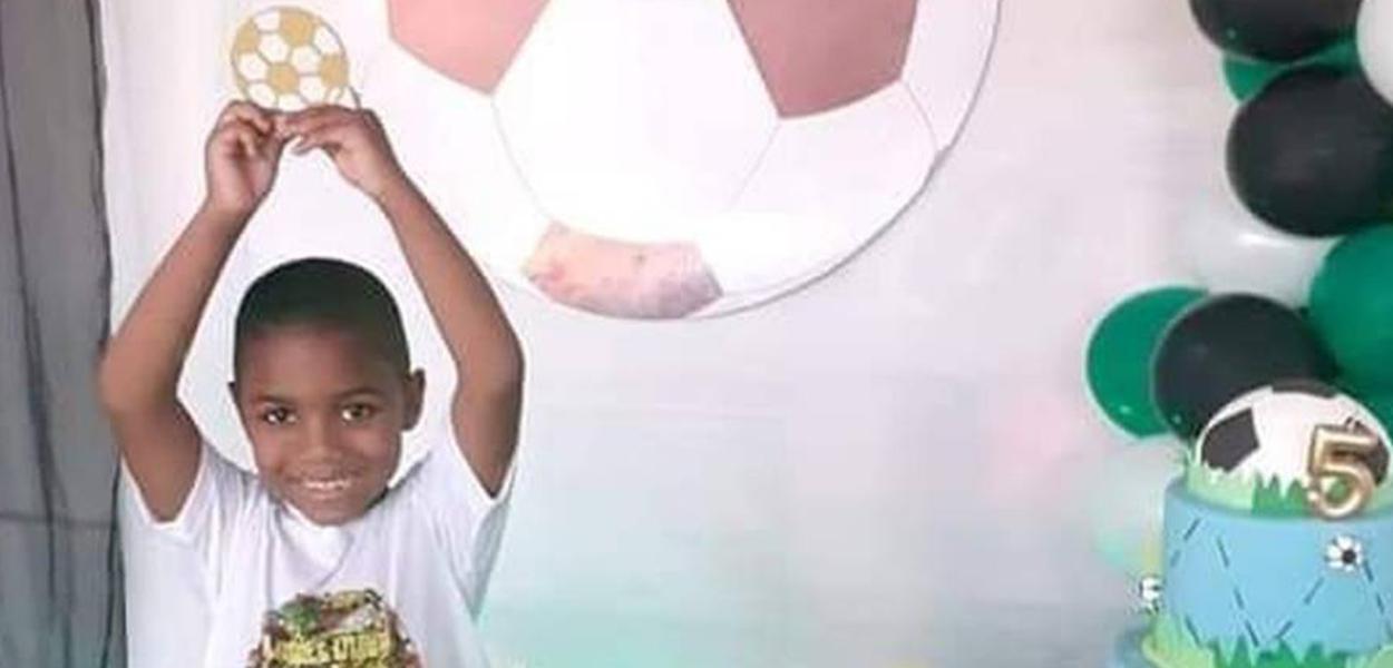 Miguel Santana Silva, que morreu ao cair de prédio no Recife