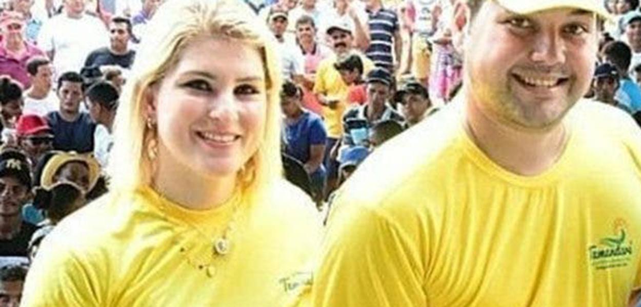 Sari Gaspar (à esquerda).