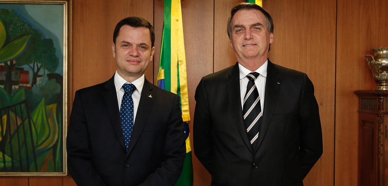 Jair Bolsonaro durante encontro com o Secretário de Segurança Pública do DF, Anderson Gustavo Torres