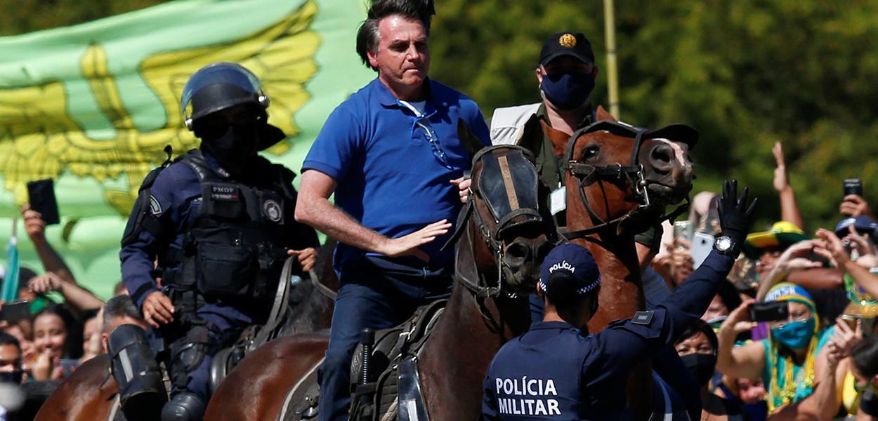 Bolsonaro participa de ato com apoiadores em Brasília 31/05/2020