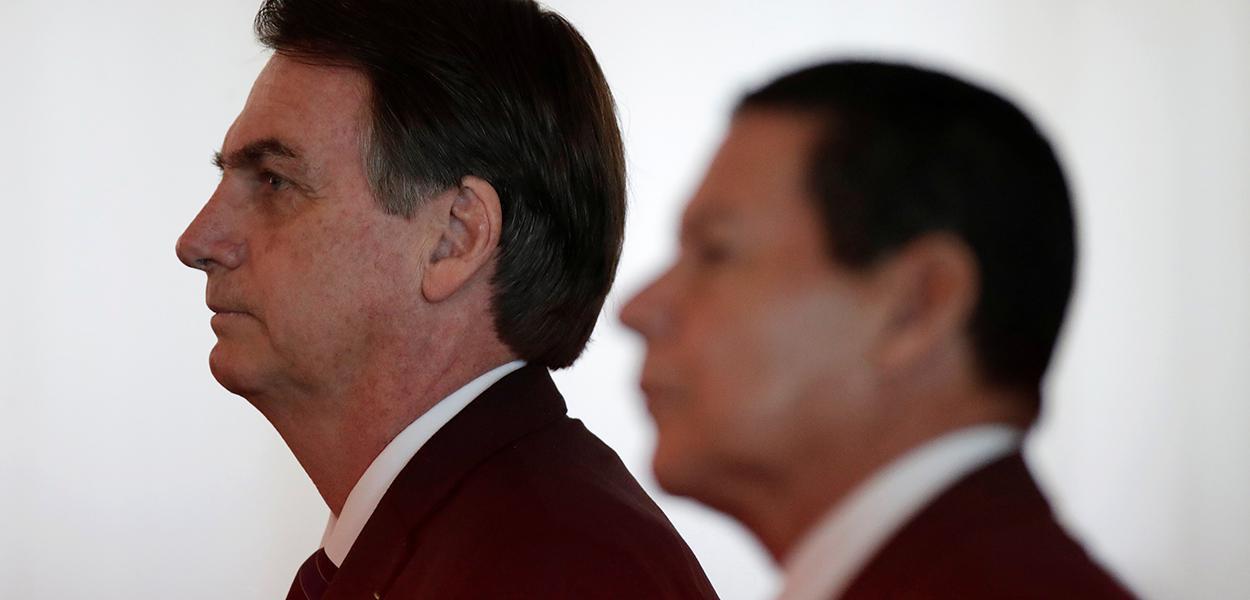 Bolsonaro e Mourão participam de cerimônia em Brasília 28/03/2019