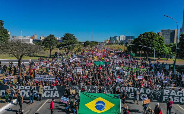 Manifestação antifascista e antirracista em Brasília no domingo, 7 de junho