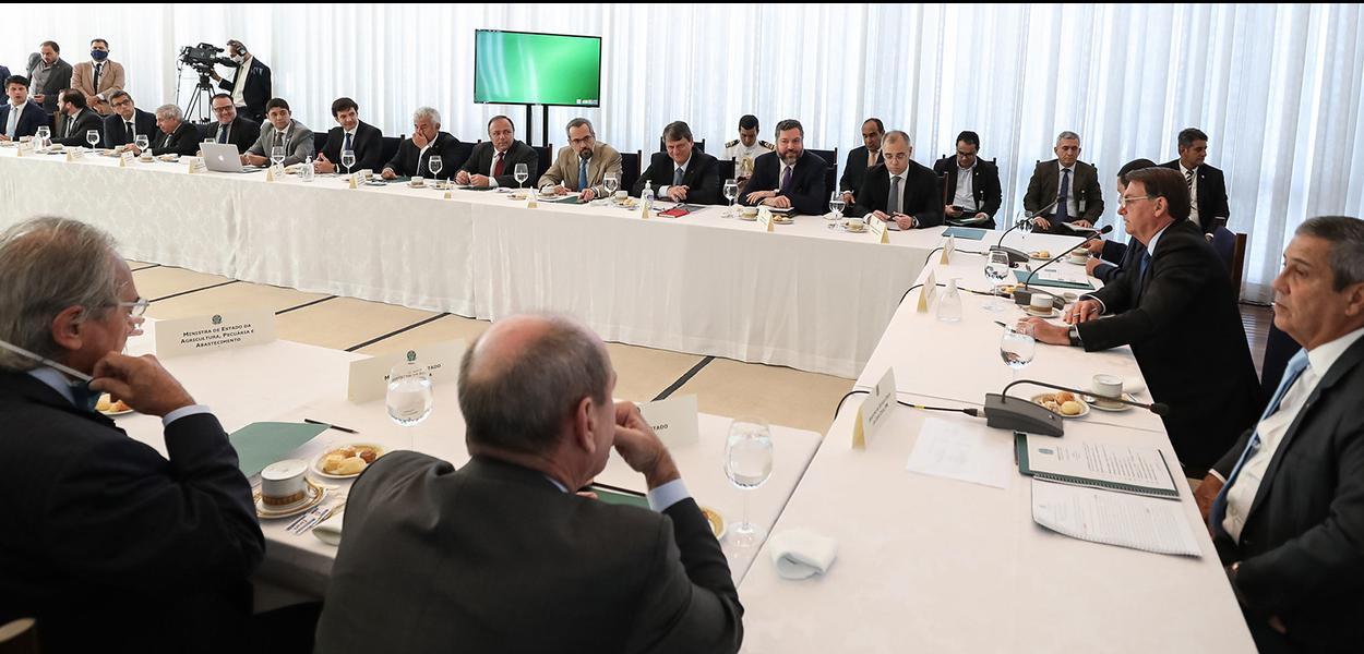 (Brasília – DF, 09/06/2020) Presidente Jair Bolsonaro e ministros durante 34ª Reunião do Conselho de Governo.