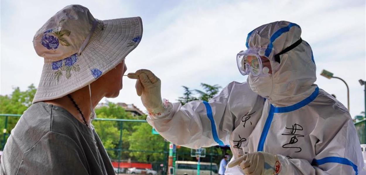 China intensifica testagem de Covid-19 com população em Pequim
