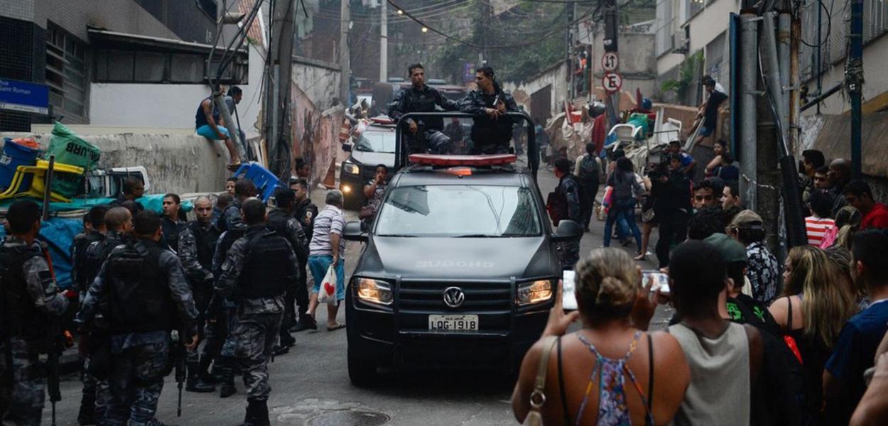 В разгар пандемии полиция Рио-де-Жанейро бьёт 22-летний рекорд по убийствам
