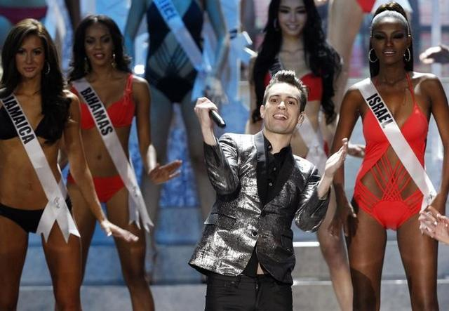 Vocalista do Panic! At The Disco, Brendon Urie, durante show de Miss Universo em Moscou. 9/11/2013.