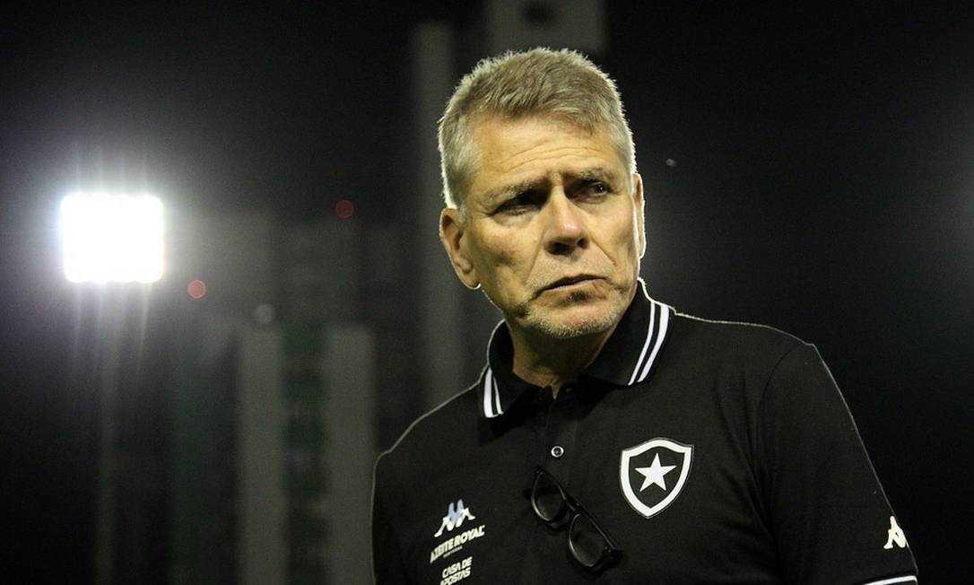 Técnico do Botafogo, Paulo Autuori.