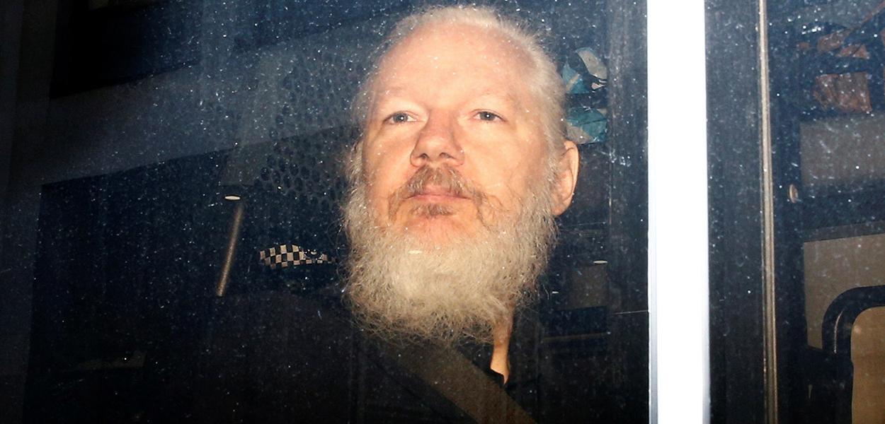 Fundador do WikiLeaks Julian Assange