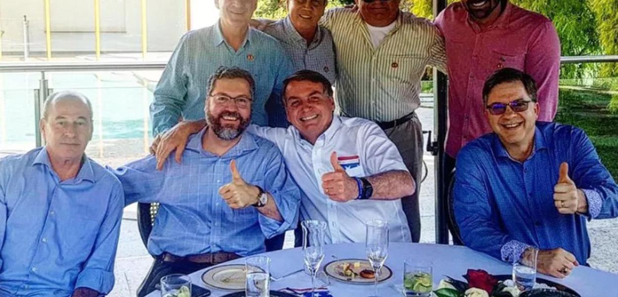 Almoço na embaixada dos EUA no dia 4 de julho