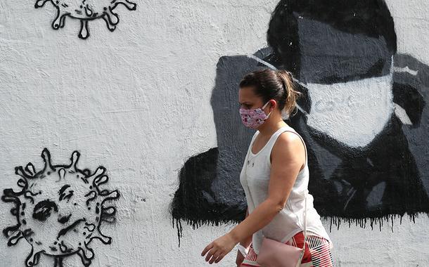 Eventos-teste sem máscara são 'absurdo', diz Arthur Chioro