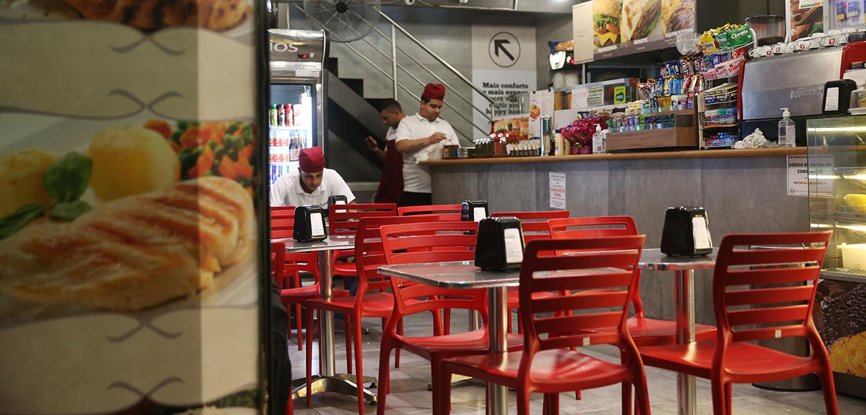 Restaurante em São Paulo durante pandemia de Covid-19