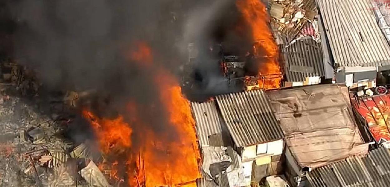 Incêndio na região de Santana, em São Paulo