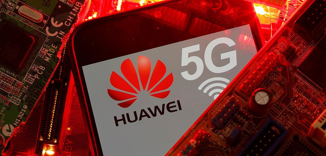 Mourão considera difícil banir a Huawei do leilão de 5G.