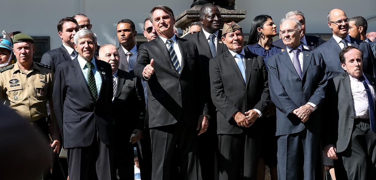 SUS padece com teto orçamentário, mas para militares o céu é o limite – Brasil 247