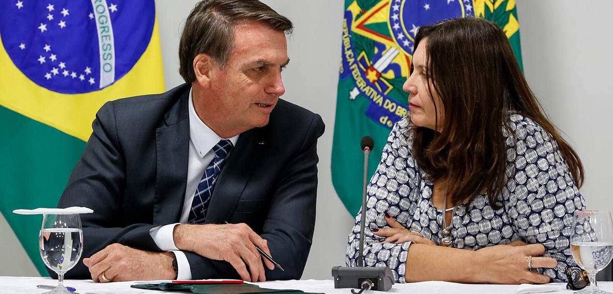 Jair Bolsonaro durante reunião com Deputada Bia Kicis