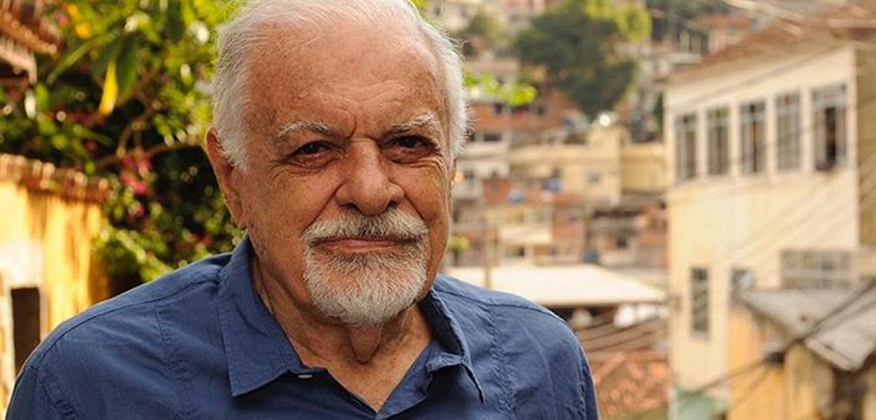 Cantor e compositor Sérgio Ricardo