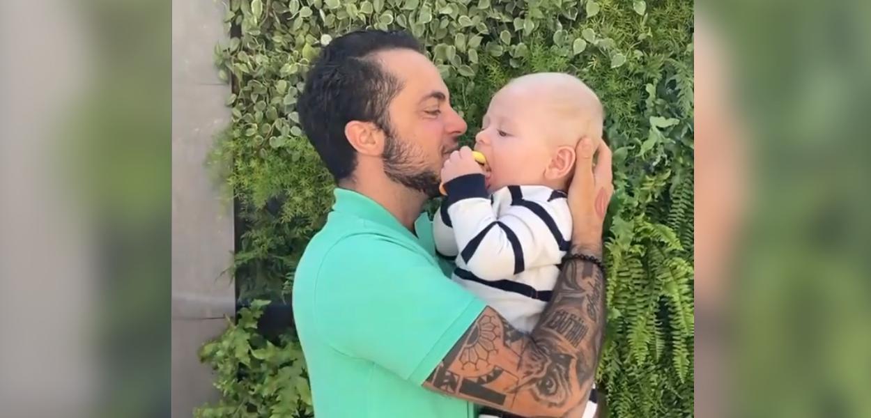 Thammy Miranda com o filho