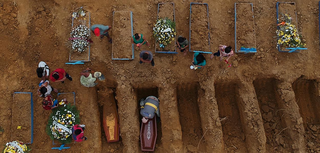Cemitério Parque Tarumã, em Manaus