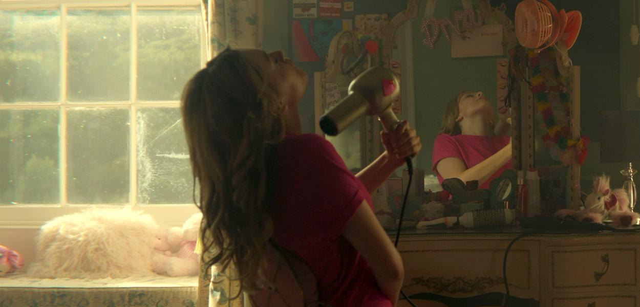 A personagem Aimee Gibbs, da série britânica Sex Education, foi incentivada a se autoconhecer a partir da exploração do prazer por meio da masturbação
