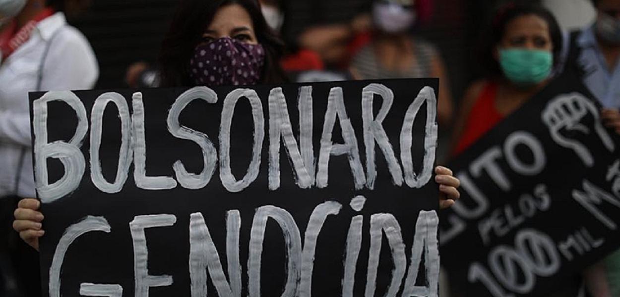 Protestos consagram Bolsonaro como genocida