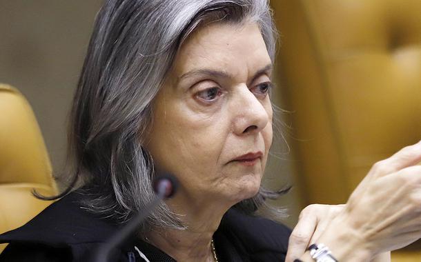 Ministra Cármen Lúcia durante sessão extraordinária. (12/03/2020)