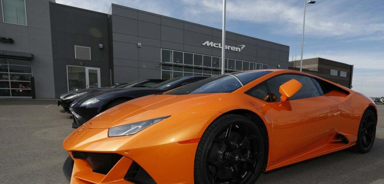 Empresário pediu empréstimo para pagar o salário dos funcionários, mas comprou uma Lamborghini