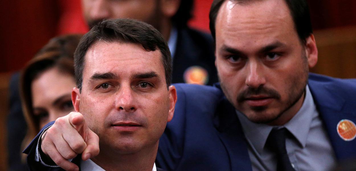 Carlos Bolsonaro e Flávio Bolsonaro