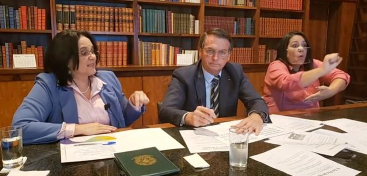Jair Bolsonaro e Damares Alves