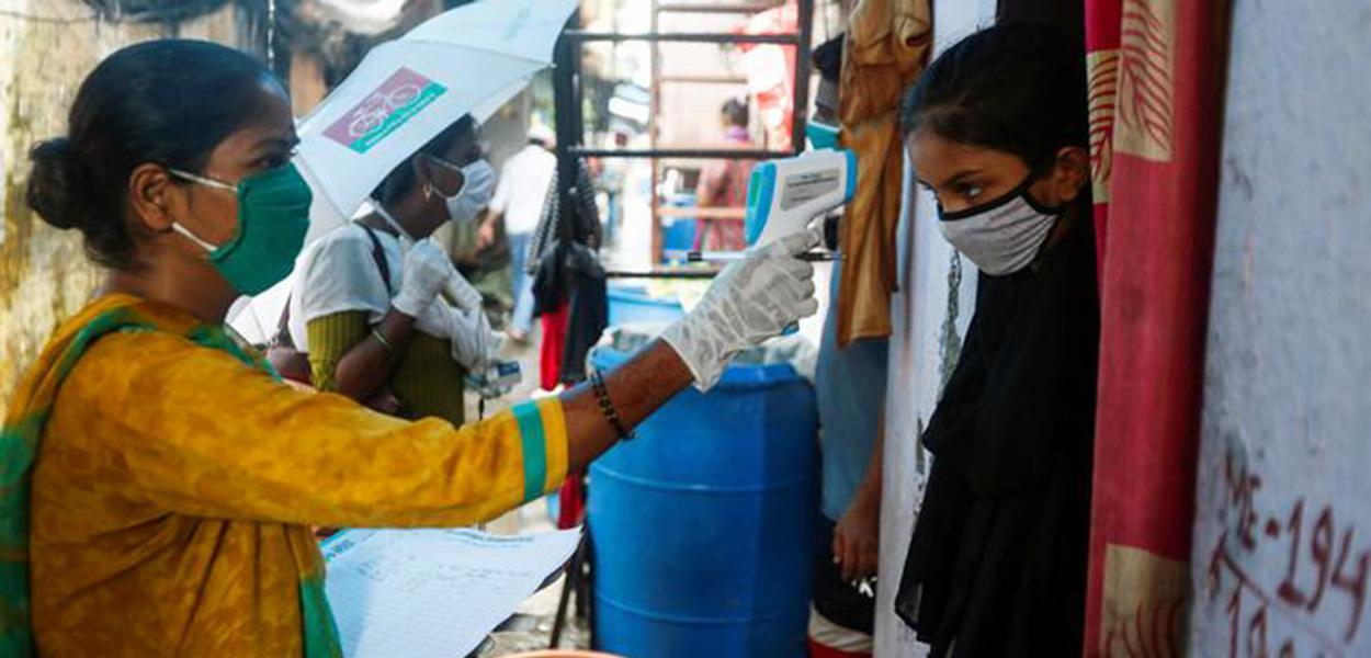 Índia passa o Brasil em número de casos de coronavírus