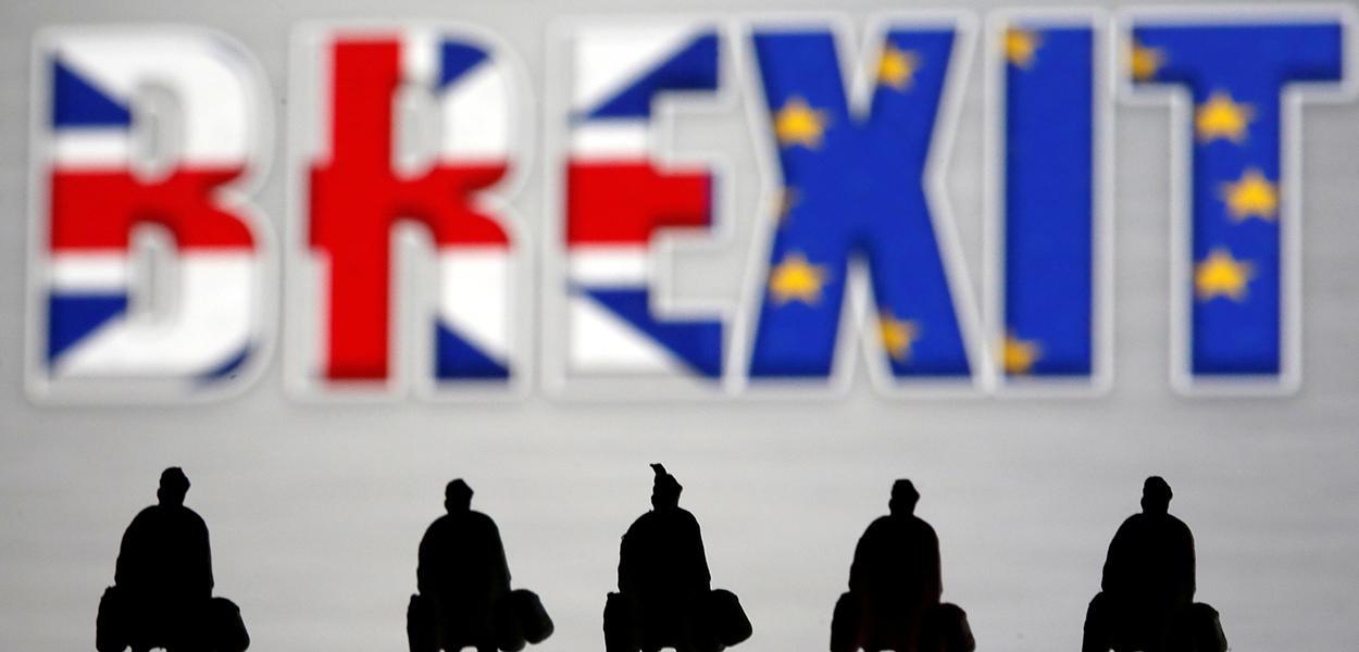 Pôquer do Brexit começa: Reino Unido prepara saída sem acordo comercial