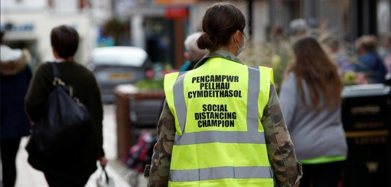 Casos de coronavírus voltam a preocupar autoridades inglesas