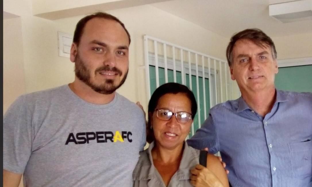 Carlos Bolsonaro, Wal do Açaí e Jair Bolsonaro