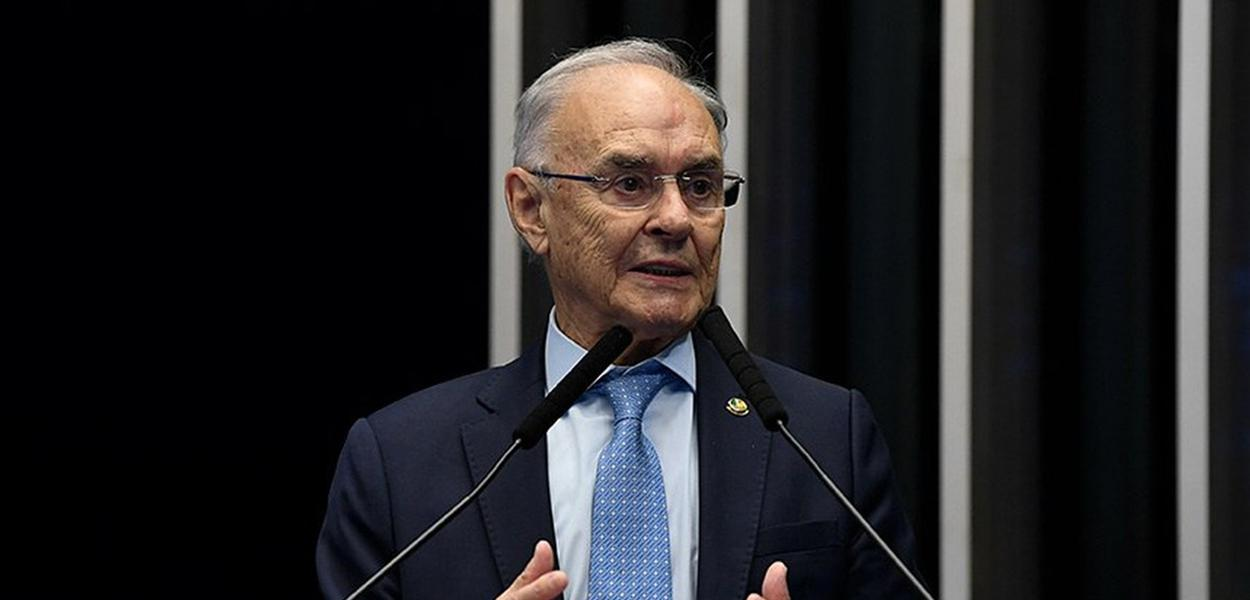 Senador Arolde de Oliveira