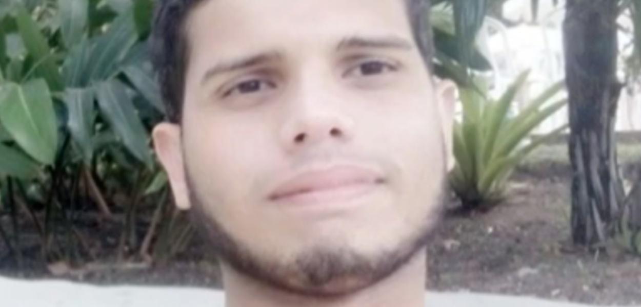 Adam Esteves Gomes