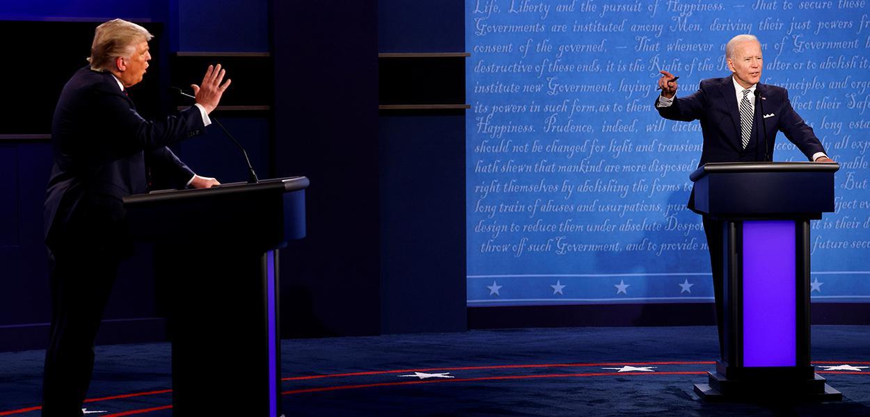 Donald Trump e Joe Biden durante debate em Cleveland 29/09/2020
