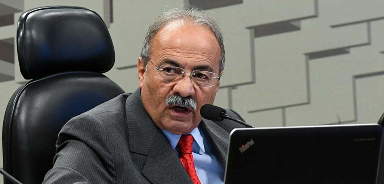 PF encontra dinheiro entre as nádegas de senador Chico Rodrigues  (Democratas) vice-líder do governo, diz revista - Blog do Paulo Nunes