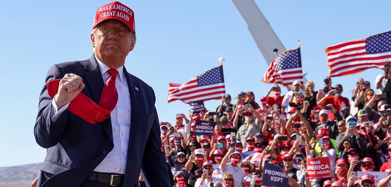 Presidente dos EUA, Donald Trump, durante comício no Arizona. 28/10/2020