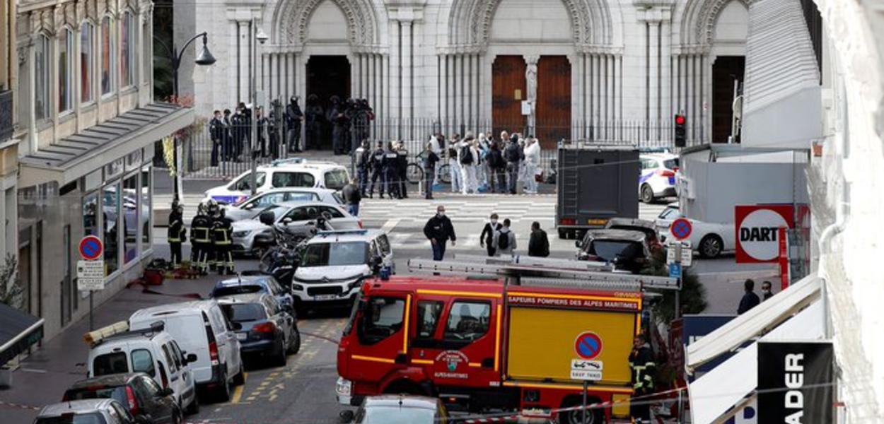 Esfaqueamento no interior de uma igreja deixa 3 mortos, em Nice