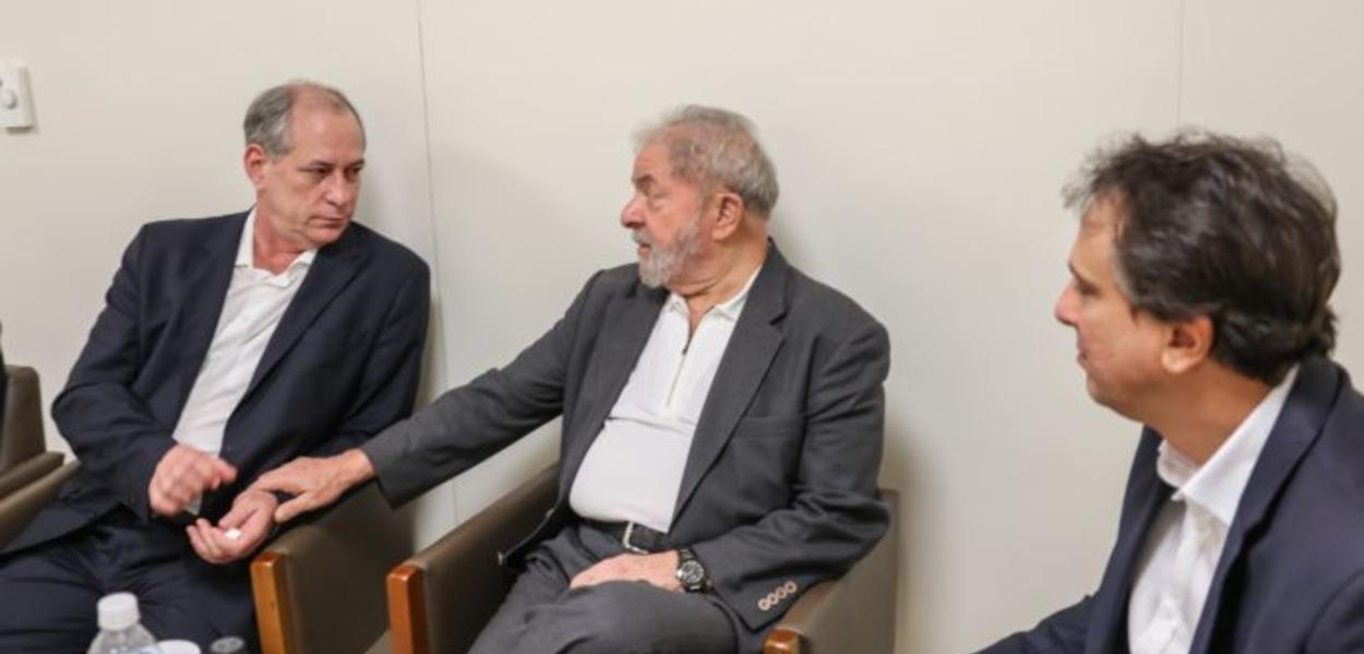 Ex-presidente Lula recebe vista de Ciro Gomes e do governador do Ceará, Camilo Santana (PT-CE), no hospital Sírio-Libanês, onde está internada a ex-primeira-dama Marisa Letícia 03/02/2017 - São Paulo- SP
