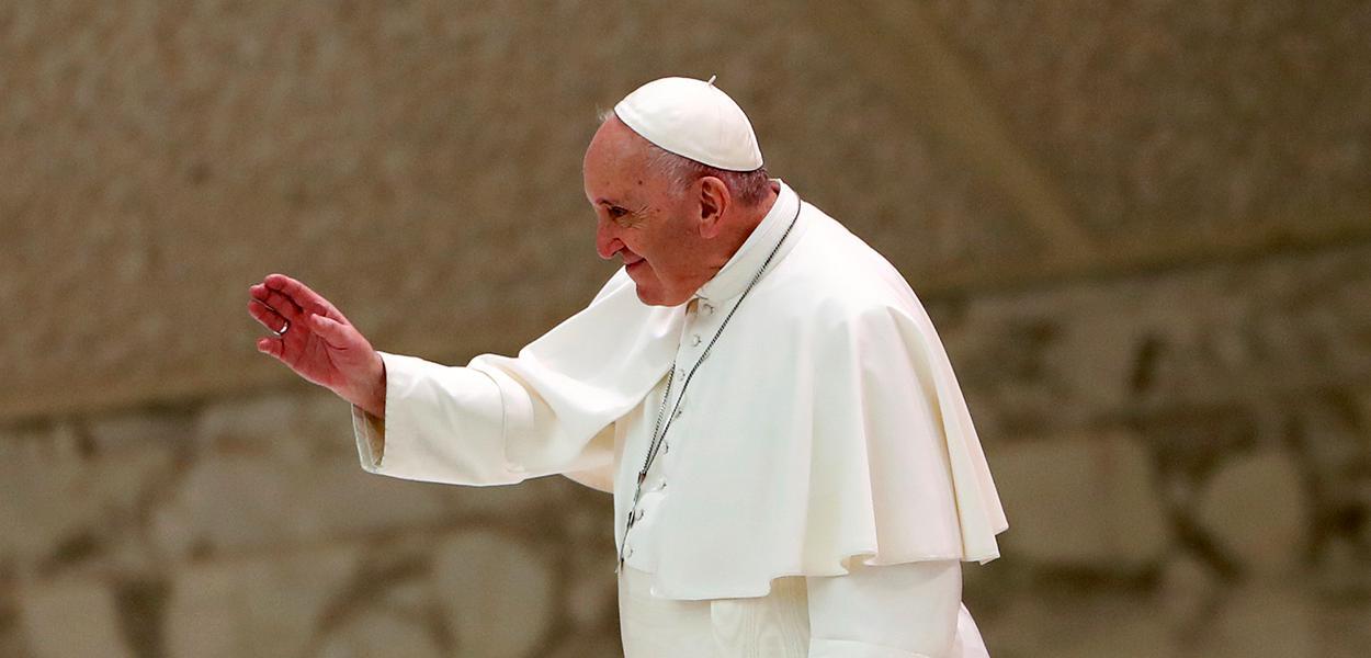 """Papa condena ataque """"selvagem"""" a igreja na França e pede que povo permaneça unido."""