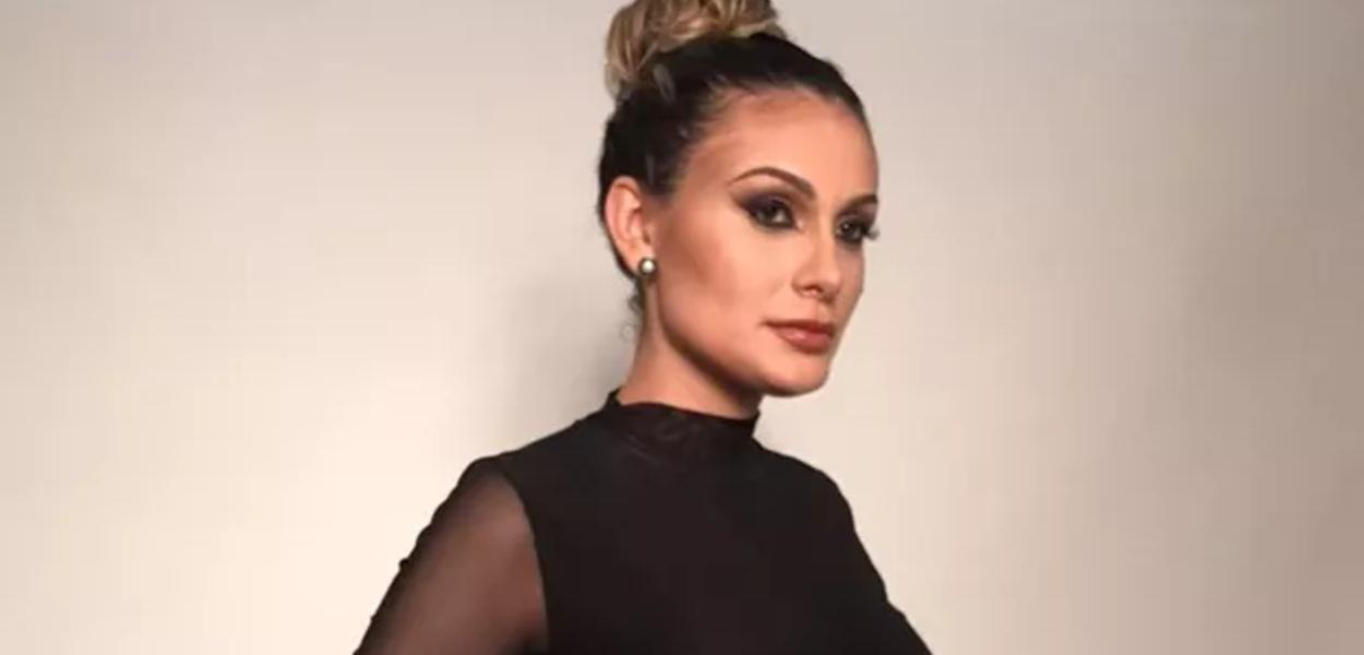 """Após voltar a trabalhar como modelo, Andressa Urach ela recebeu muitas críticas de evangélicos e diz que """"pegou ranço da igreja"""""""