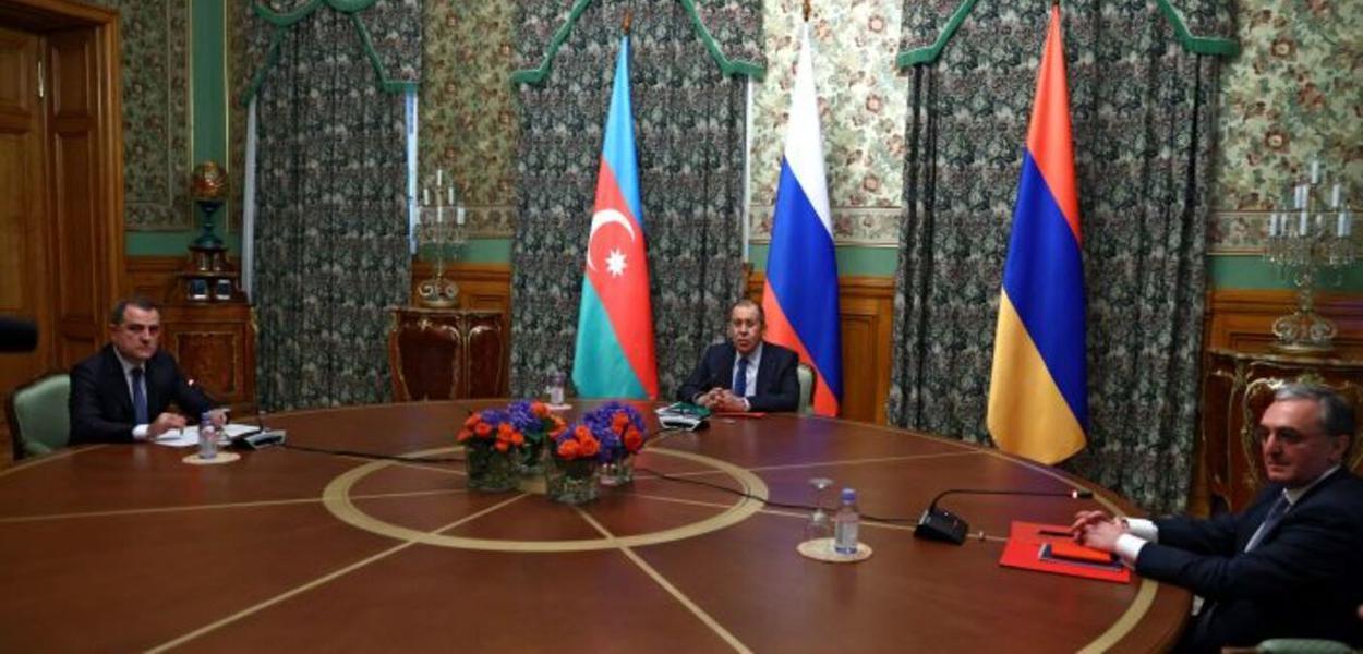 Reunião em que foi selado acordo de paz entre a Armênia e o Afeganistão, sob coordenação da Rússia