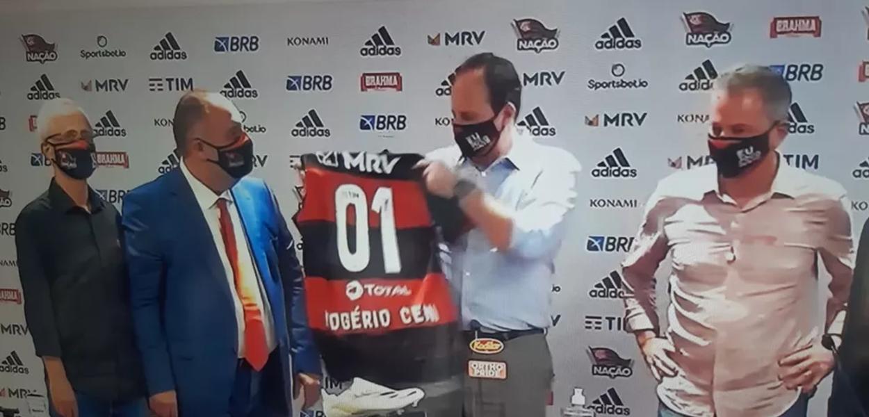 Técnico deixou o Fortaleza e chegou ao Rio de Janeiro na manhã desta terça-feira para substituir o espanhol Domènec Torrent e assinar contrato até dezembro de 2021