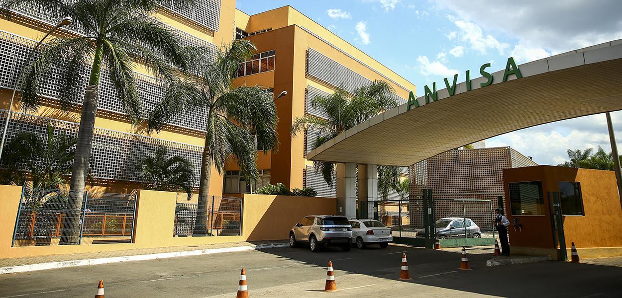 Fachada do edifício sede da agência nacional de vigilância sanitária (ANVISA). 11/11/2020