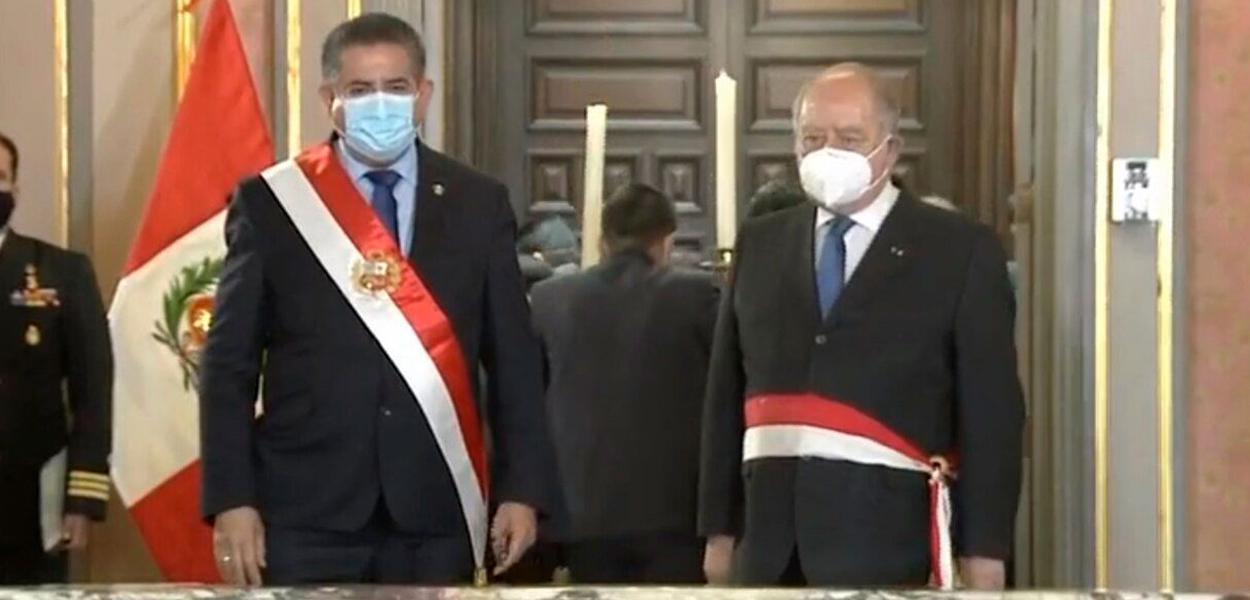Presidente Manuel Merino e o primeiro-ministro do Peru Ántero Flores-Aráoz